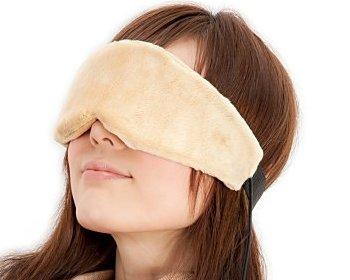 アイマスクで疲れ目を軽減